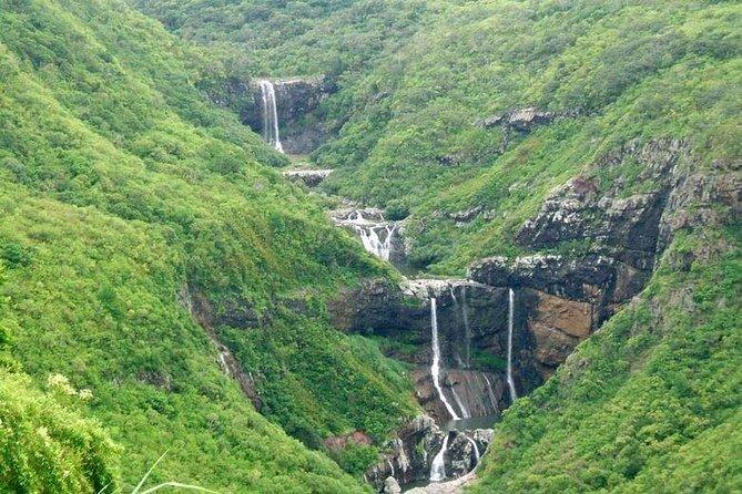 Mauritius- 7 Cascades (Tamarind Falls) including Guide & Hotel Transfer