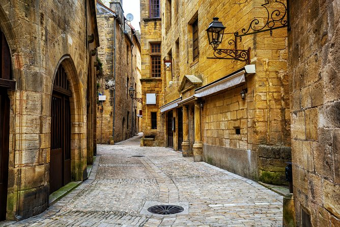 Sarlat Gourmet Tour and Market Visit photo 2