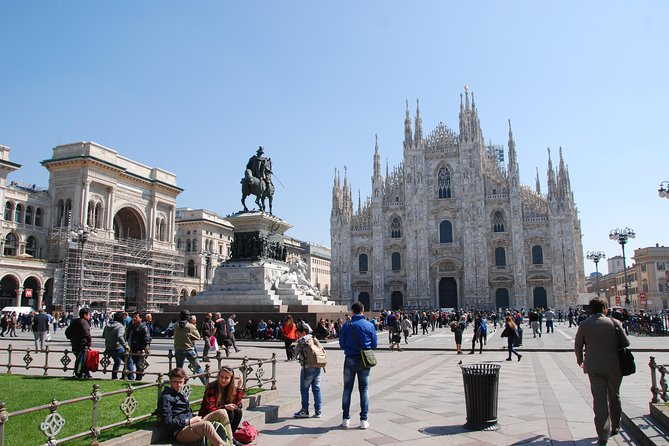 Skip-the-Line Milan Duomo Cathedral & Rooftop Terraces by Lift Semi-Private Tour