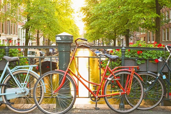 Self-Guided Bike Tour of Historical Amsterdam with Audio Guide in Mobile App