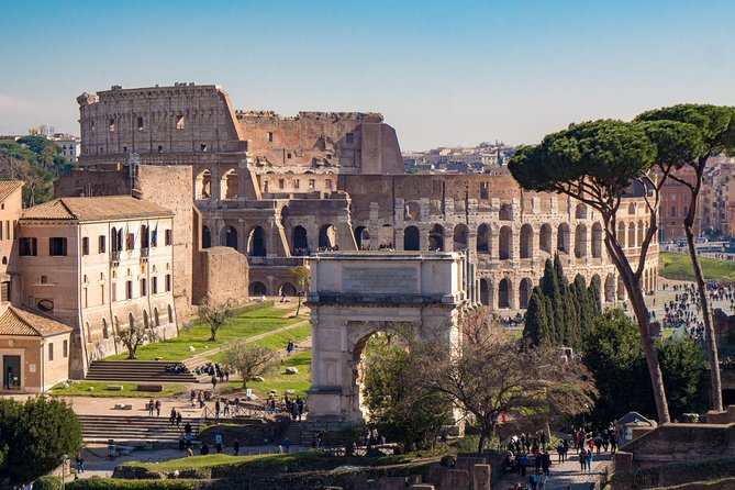 Entrance e-ticket for Colosseum & Roman Forum: with 2 Audio Tour