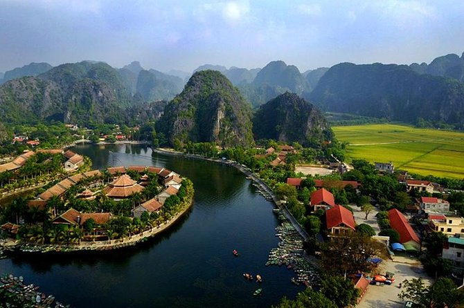 Mua Cave - Tam Coc - Bich Dong Pagoda Small Group Tour: Boating, Biking, Hiking photo 7