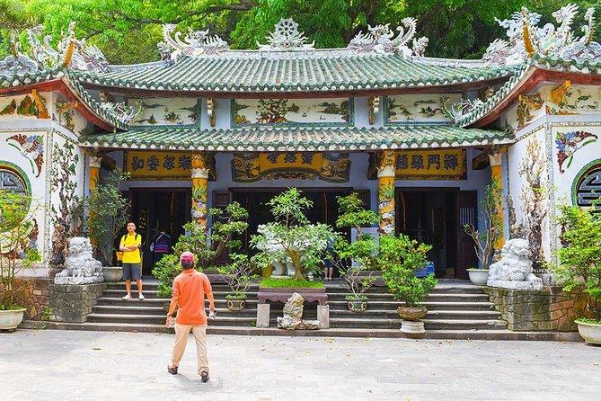 Transferts aller simple avec excursion touristique entre Hoi An et Hue