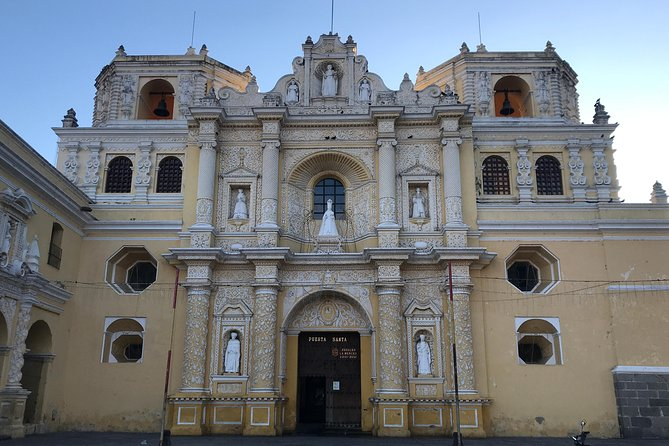 Iglesia de la Merced, the starting point of the free walking tour of Antigua Guatemala