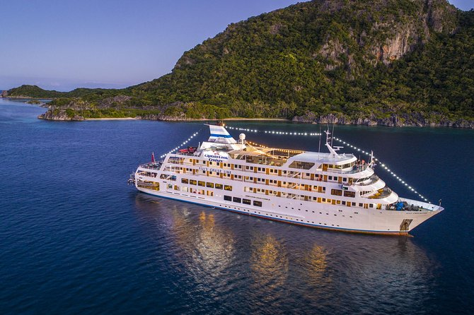 4-Night Yasawa Islands Fiji Cruise Including Accommodation and Meals