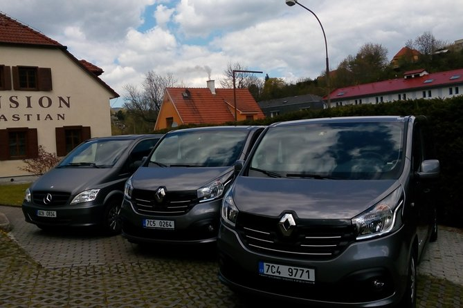 Private one way Sightseeing transfer from Cesky Krumlov to Prague