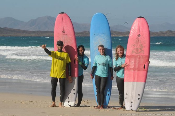 Beginner surf course, 3 days in small groups of max 4 people photo 4