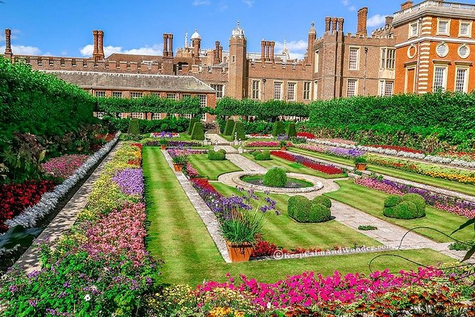 Royal Windsor & Hampton Court Palace by Executive Luxury Vehicle Private Tour photo 4