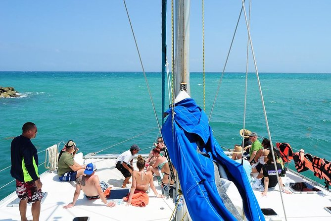 Catamaran Sail and Snorkeling Tour with Open Bar in Puerto Morelos photo 8