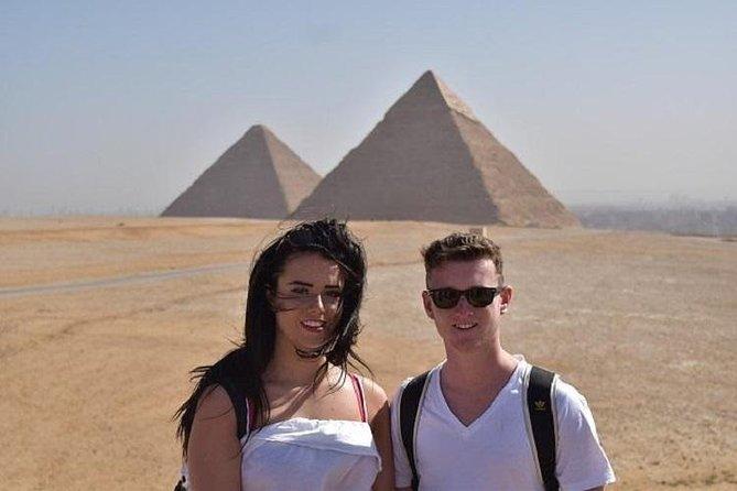 Cairo Layover Tour to Giza Pyramids, Sphinx, and Khan Elkhalili Tourist Bazaar