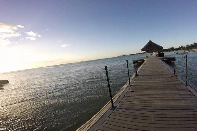 Mauritius Airport (MRU) TO Albion - Private transfer (1-3)