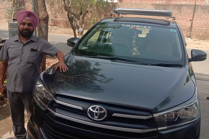 Private transfer from Delhi to Agra by car