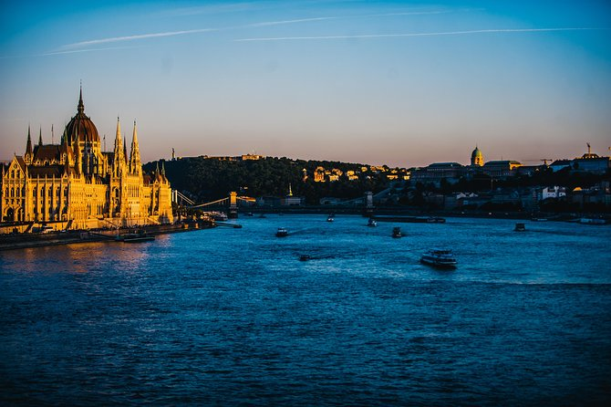 Budapest Day and Night Sightseeing Cruise