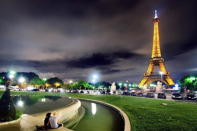 Paris City Tour by minibus with audio guide and Dinner Cruise on Seine at 6 pm