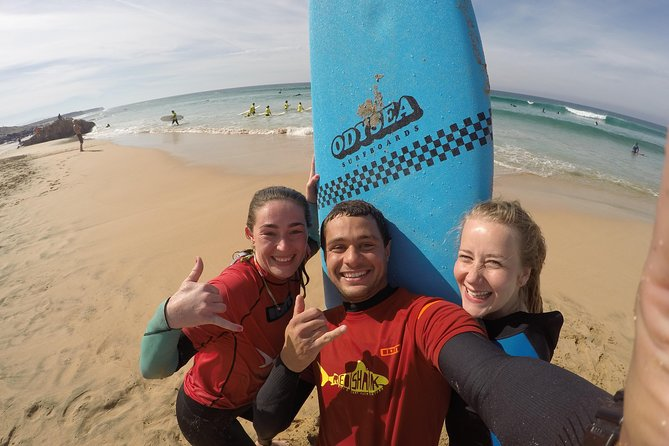 Beginner surf course, 3 days in small groups of max 4 people