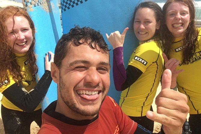 Beginner surf course, 3 days in small groups of max 4 people photo 2
