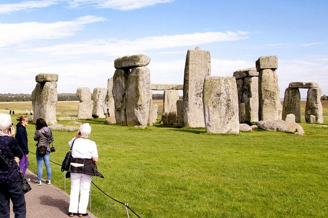 Stonehenge-Bath & Winchester Cathedral 9 Hours Private Tour upto 8 travellers