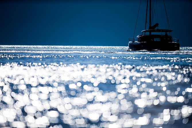 Romantic Sunset Catamaran Caldera Cruise incl. Meal & Drinks