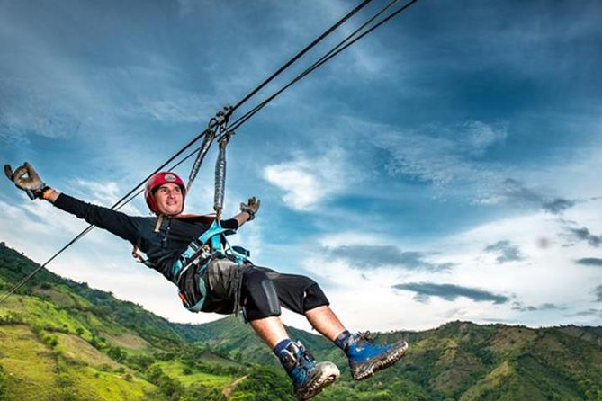 Highest zip line in Colombia: from Bogota