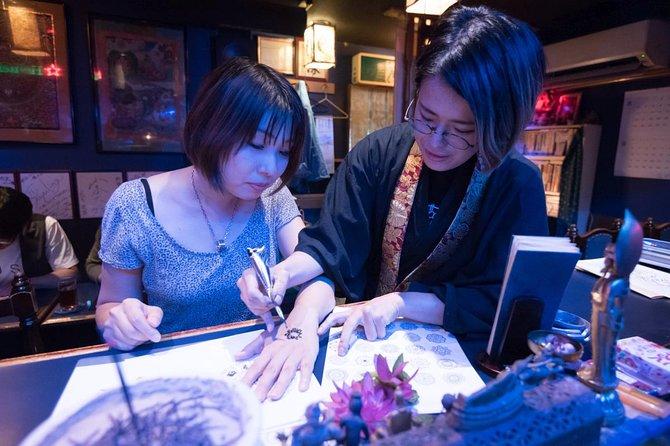 Hands-on Henna Body Art Experience in Buddhist Monk Bar in Tokyo