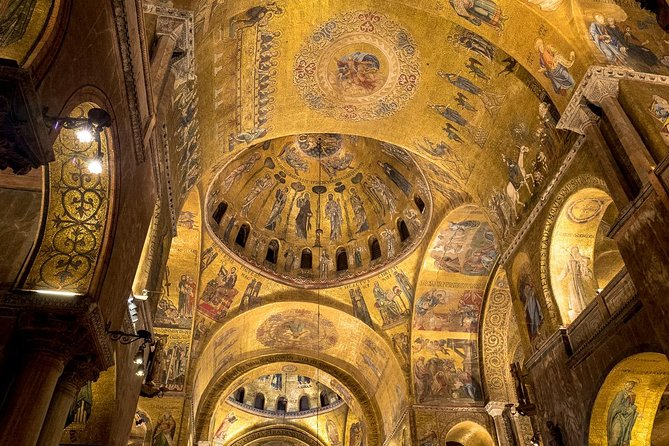 Skip the line Saint Mark's Basilica Guided Walking Tour in Venice