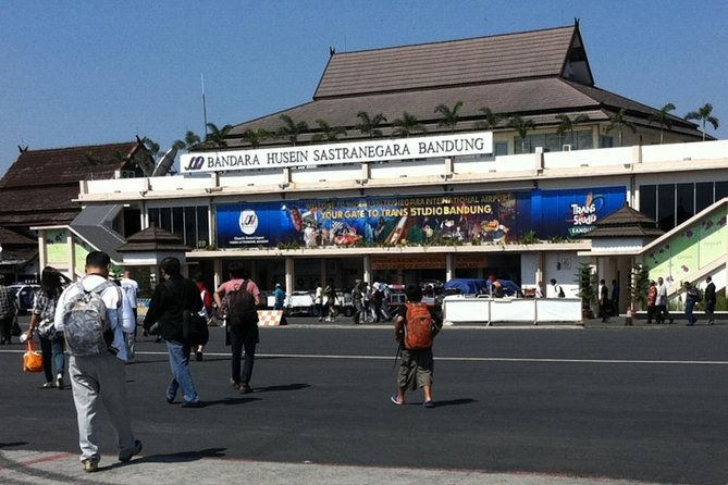 Hotel to Bandung Husein Sastranegara International Airport (Departure Transfer)