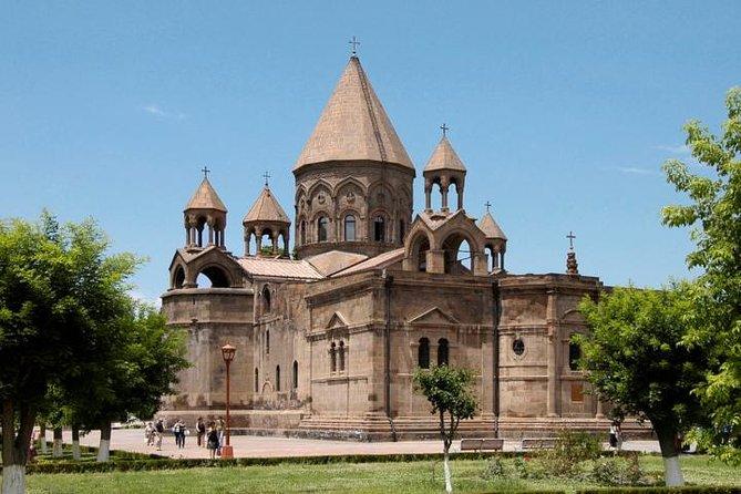 Transport rental to Echmiadzin, Zvartnots, Khor Virap, Garni, Geghard