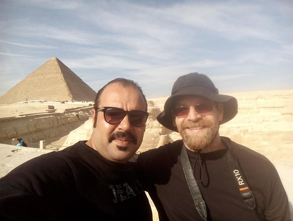 Cairo in a Private One Day Tour (Pyramids , Sphinx, Museum )