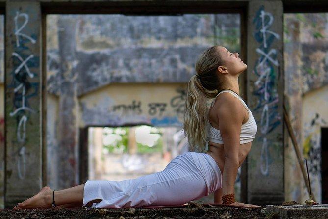 Vinyasa Yoga class in Lovina, Bali