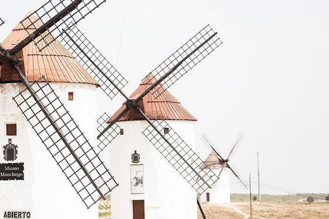 Don Quixote Experience: Windmills, Belmonte Castle and Local Gastronomy!