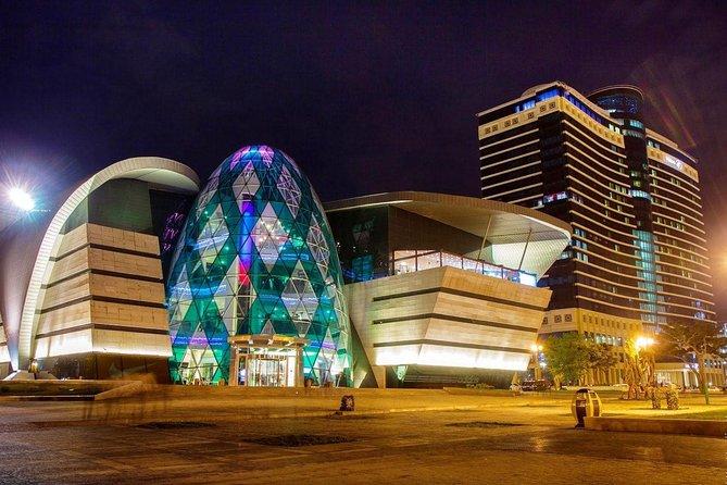 Baku Lights: the Night Tour illuminated by Baku lights