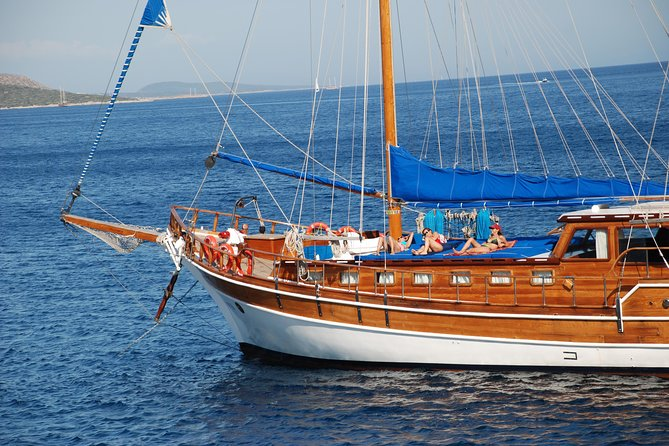 Kemer Relaxation & Sightseeing Yacht Cabin Charter photo 12
