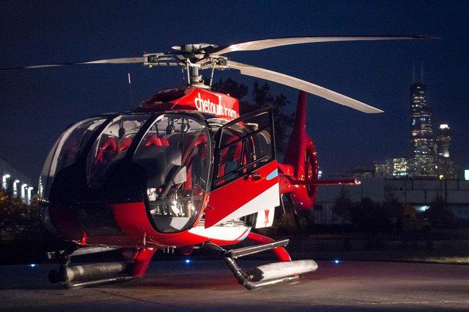 Experiência noturna do passeio de helicóptero de Chicago