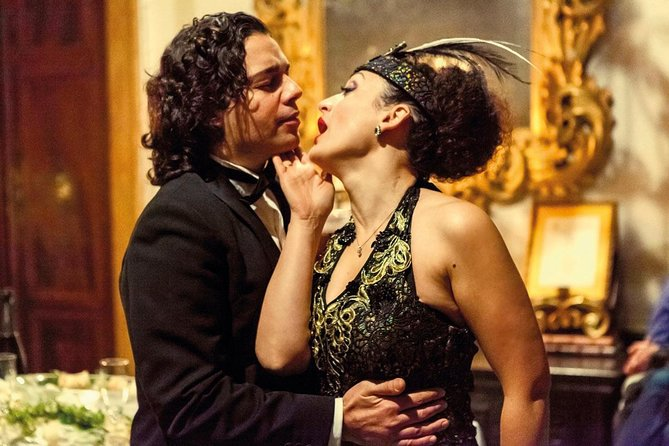 The Grand Ball at Violetta's mansion (La Traviata)