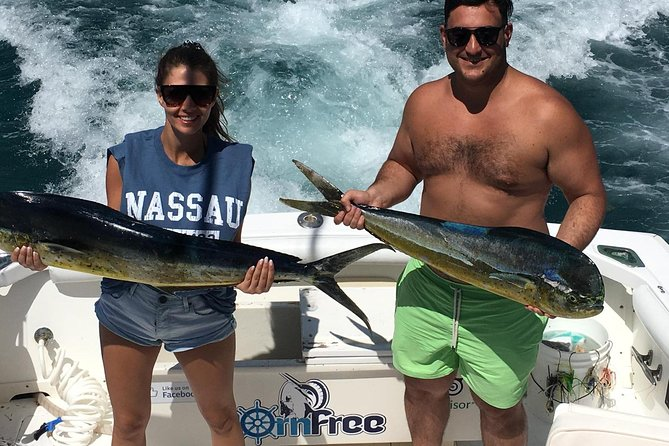 Private Half-Day Fishing Charter in Nassau 31ft photo 12