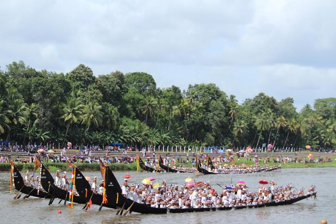 Life & Culture of Kerala Backwater & Villages: Private Tour