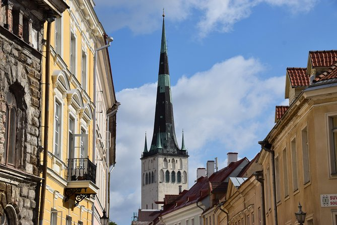 Discover all the main sights in the Tallinn Old Town