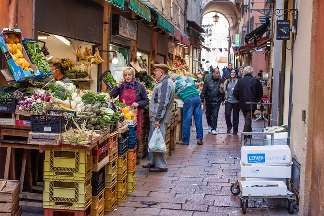 A half day in Bologna with a local: private & personalized photo 17
