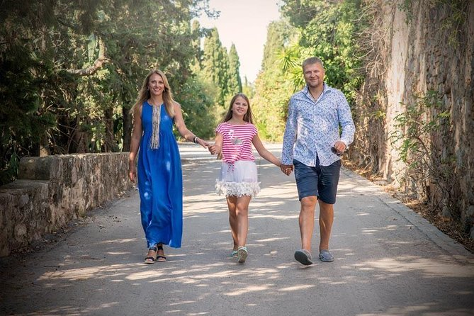 Private Photo Session with a Local Photographer in Tarragona