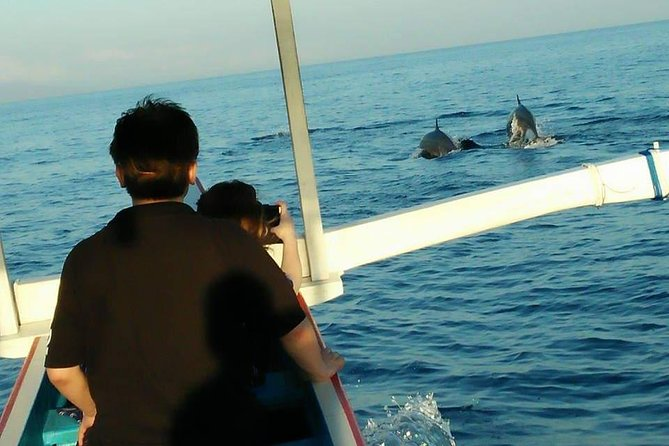 Lovina sunrise tour with watching dolphin