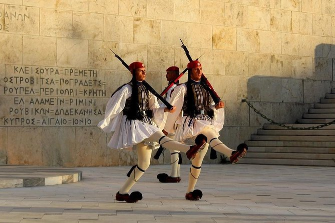 Athens city Tour (4hrs) combined with Piraeus Port Cruise Terminal transfers