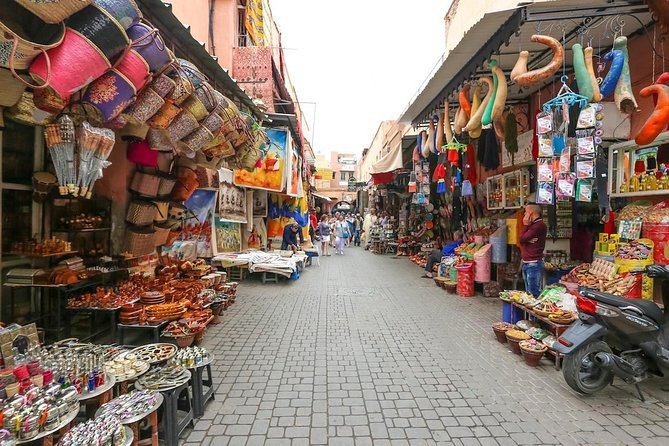 Marrakesh guided shopping tour half-day