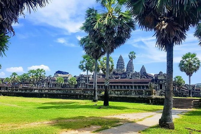 2-Day Temples with Sunrise Small Group Tour of Siem Reap