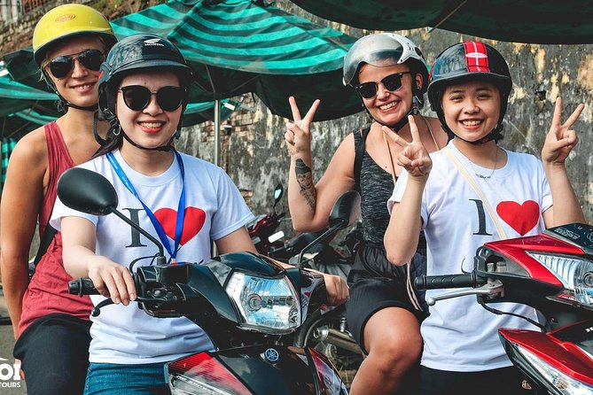 Half-Day Private Hanoi Food Tour by Motorbike