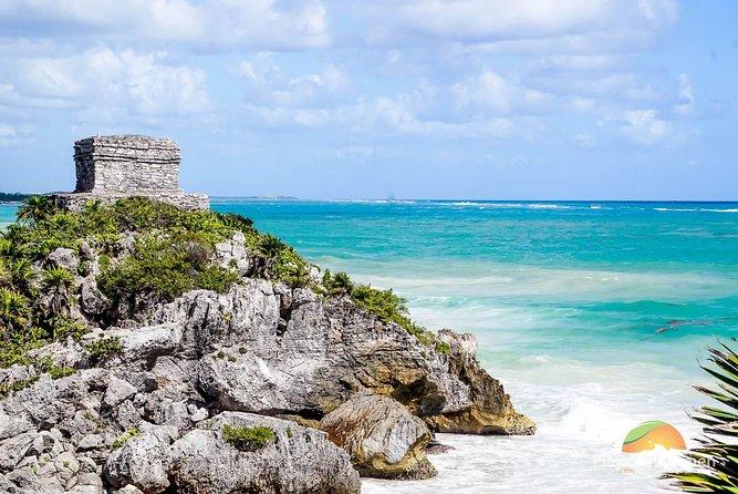Yucatan Peninsula Full-Day Private Tour: Akumal, Tulum Ruins and Cenote Swim