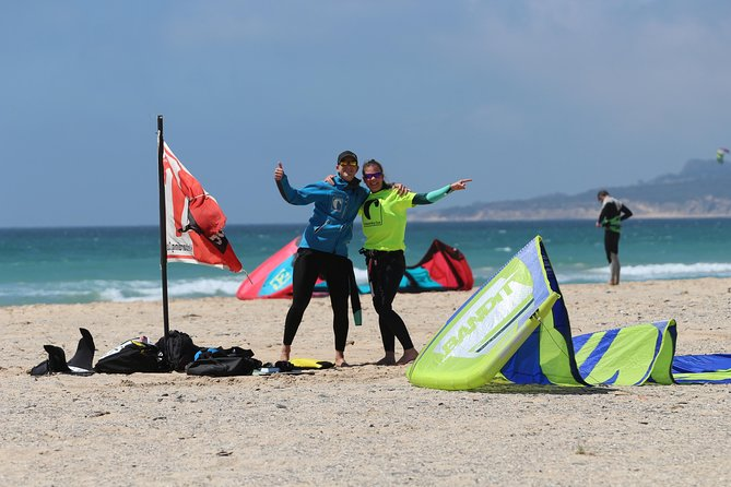 Individual, semiprivate and group kitesurf lesson photo 2