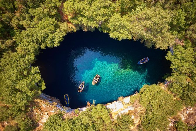 Private Tour / Shore Excursion: Robola Winery, Drogarati Cave, Melissani Lake