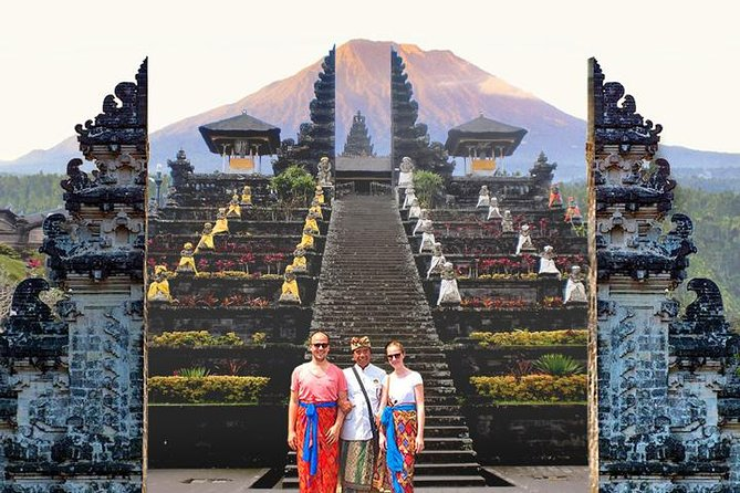 Bali 13h round trip - includes: Ubud, Swing, Waterfall, Volcano & Besakih Temple