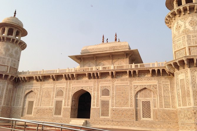 Private Tajmahal and Agra Fort Day Tour by Rail From Delhi All Inclusive photo 10