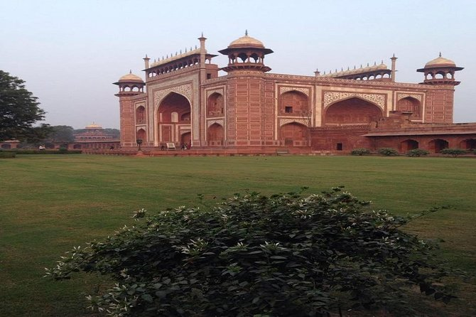 Private Tajmahal and Agra Fort Day Tour by Rail From Delhi All Inclusive photo 4